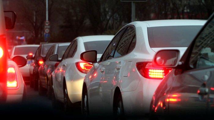อยู่ในรถยนต์ ปลอดภัยจากฝุ่น PM2.5 หรือไม่